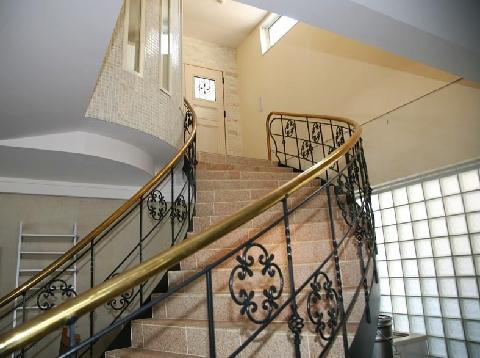 らせん階段の先には夢が広がる居住スペースが