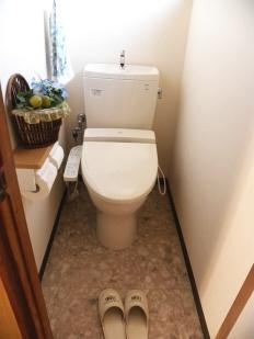 内装も一新し、新築時に戻ったようなトイレ