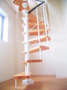 木製のらせん階段