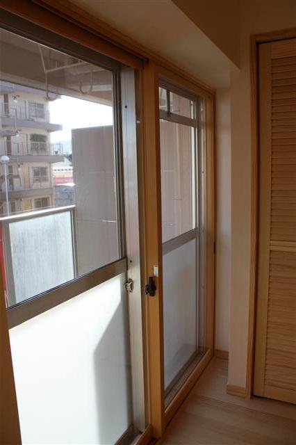 断熱効果だけでなく防音対策にも有効な内窓