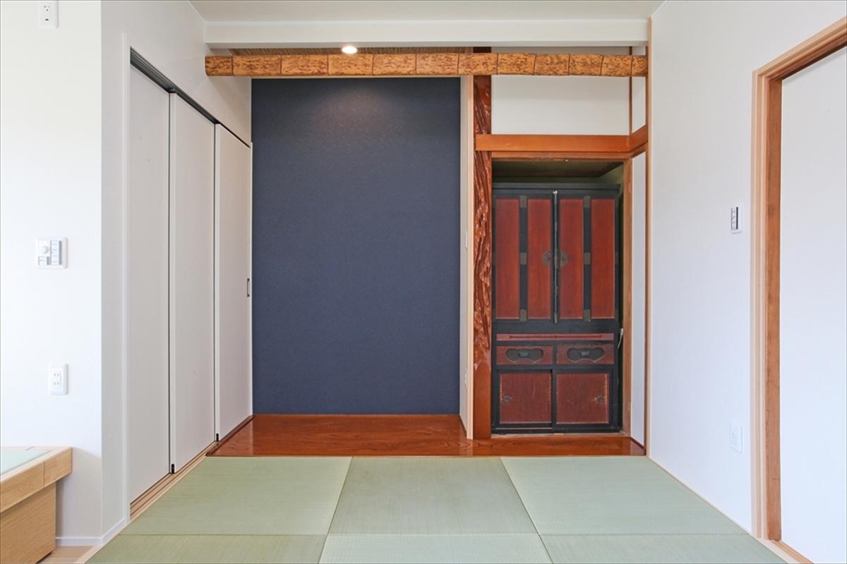モダンな印象の畳スペースは客間や寝室としても活躍します