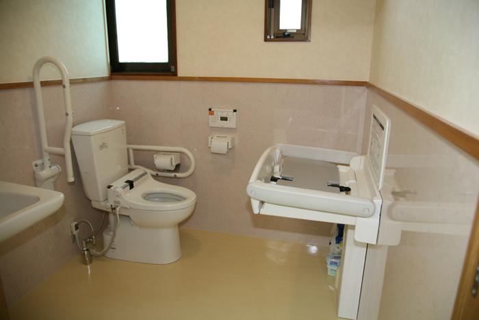 高齢者や障がいを持つ方にも使いやすいバリアフリートイレ